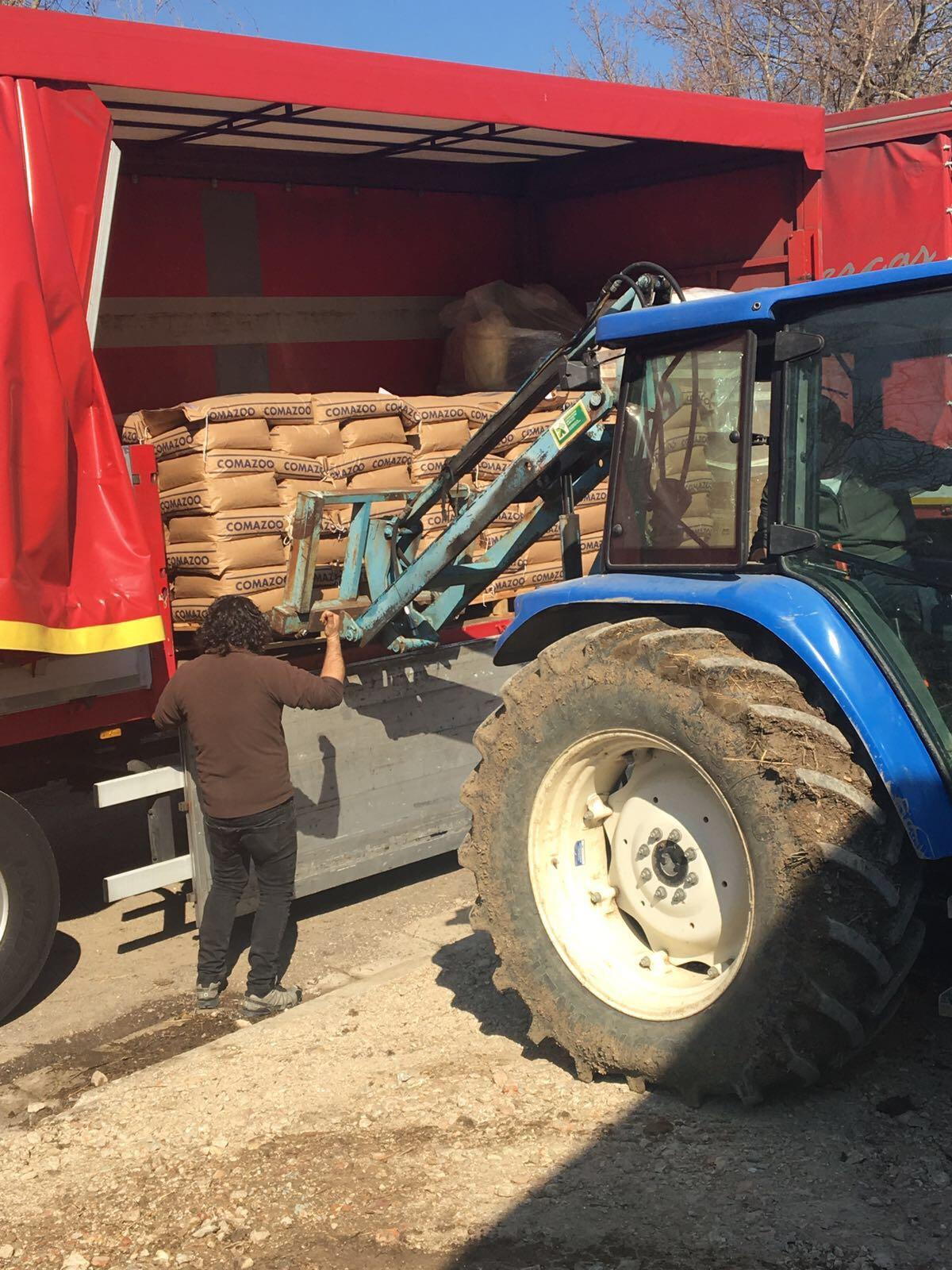 Consegna del materiale recuperato per il terremoto del Centro Italia